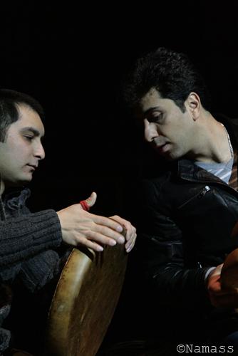 Percusioniste ouzbek et chanteur iranien